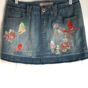 CANDIES Jean Denim Embroidered Mini Skirt Size 9